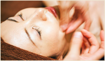 Organic Lift up and Firm Facial image